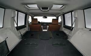 Jeep Commander Interior car and driver