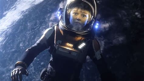 film robot espace a lost in space sneak peek at wondercon reveals parker
