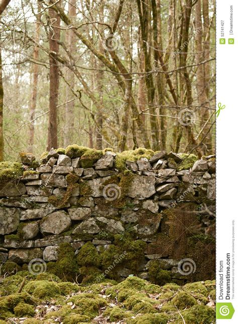 alte steinwand alte steinwand stockfoto bild 52741427