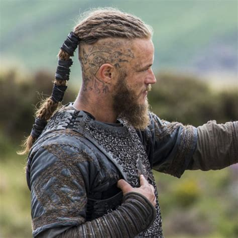 ragnar lothbrook hairstyle viking viking hairstyles www imgkid com the image kid has it