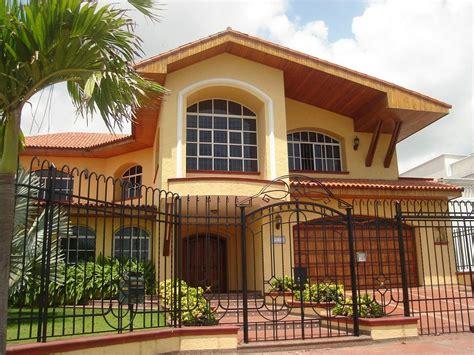 la casa 2 fotos de fachadas de casas de 2 pisos