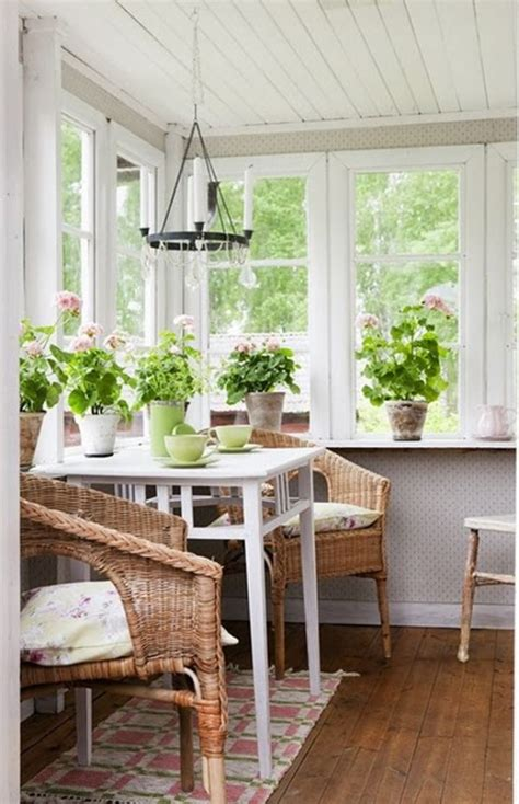 Windows Sunroom Decor 26 Smart And Creative Small Sunroom D 233 Cor Ideas Decor Small Sunroom Sunroom