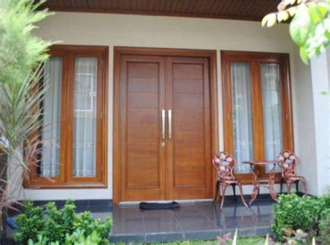 gambar model kusen jendela pintu kayu aluminium