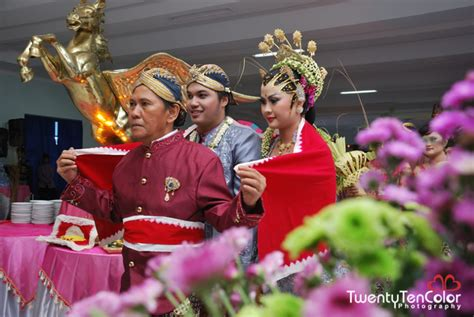 Wedding Malang by Indira Bondan Wedding Day Malang Twentyten Color