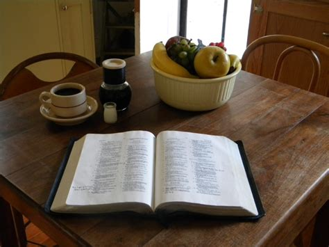 teri metts bible on table