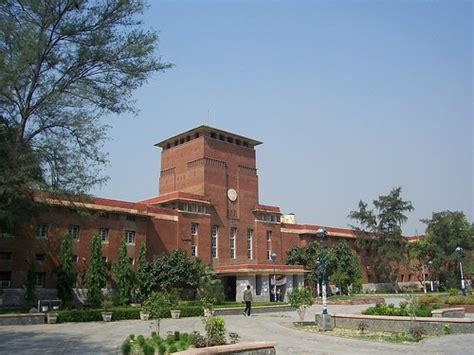Delhi University admissions: 50% applicants are from ...