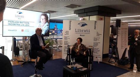 libreria aeroporto fiumicino leonardo da vinci il bookcrossing vola libri gratis per
