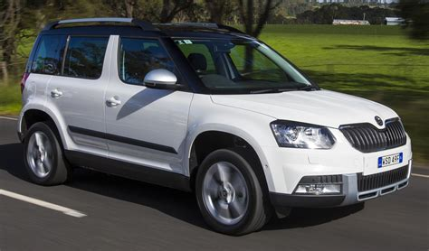 skoda jeep comparison skoda yeti active 77 tsi 2015 vs toyota