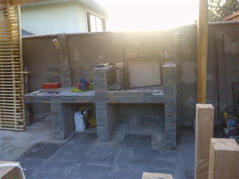 patio interior ladrillo foto asador en hormigon y ladrillo revestido con piedra