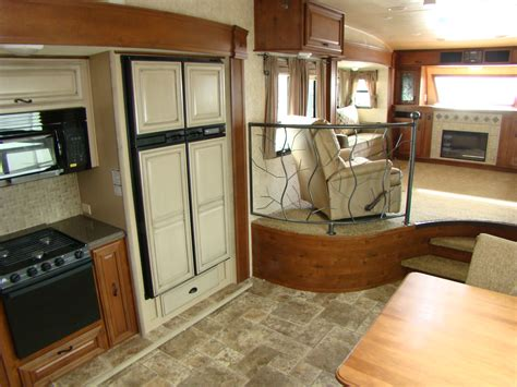 Gmc Motorhome Floor Plans by Fifth Wheel Trailer Rving Is Easy At Lerch Rv