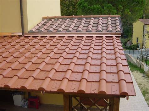 tettoie in legno e tegole scegliere una tettoia in legno tettoie e pensiline