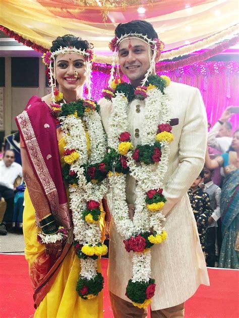 Marriage Photos by Shruti Marathe Gaurav Ghatnekar Marriage Wedding Photos