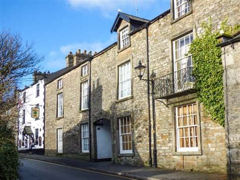 Cottages Near Kirkby Lonsdale by Courtyard House Kirkby Lonsdale High Biggins The