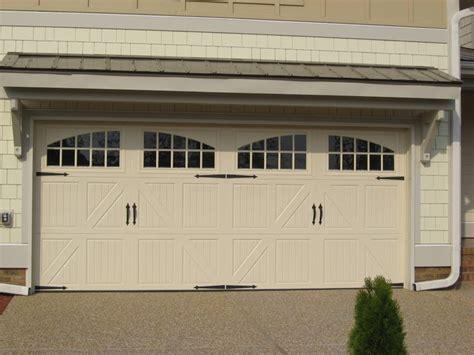garage door design and overhang back yard