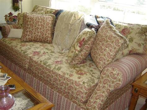 pretty couches pretty couch sofa a pretty floral couch sofa with pink