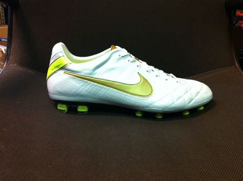 football shoes wiki file nike tiempo legend iv elite jpg