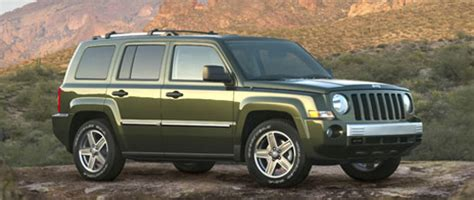 how cars engines work 2009 jeep patriot lane departure warning jeep patriot and compass receive interior updates for 2009