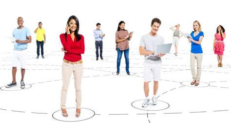 imagenes de personas en redes sociales conectar personas y marcas usando las redes sociales