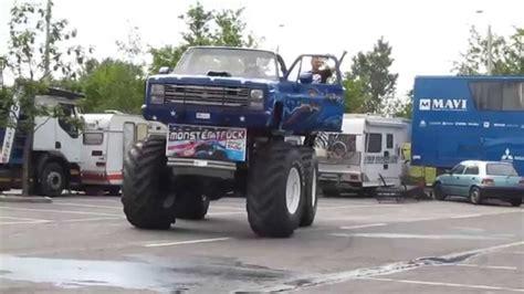 monster truck show youtube monster truck 233 s kaszkadőr show győr 2013 hd youtube