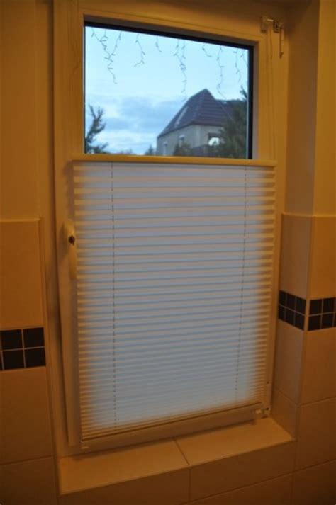 Wc Fenster Sichtschutz by Befestigung Ohne Bohren Rollos Plissees Beim Neubau
