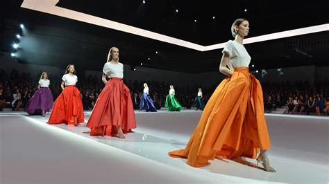 Show And Tell The Budget Fashionista At Fashion Week by Modenschau Organisieren Mit Den Showarchitekten