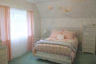 Color Combination For Curtains Decorating White Interior Design Idea For Bedroom Using Pastel Bedding Color And Paired With