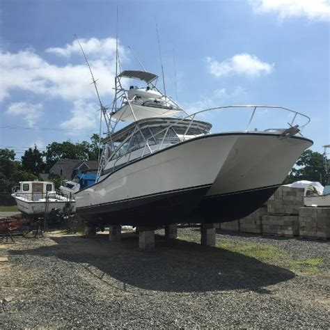 used boston whaler boat trader used 2011 boston whaler 320 outrage cuddy cabin virginia