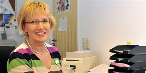 Lebenslauf Hebammenausbildung Kaufmann Im Gesundheitswesen Ausbildung Kliniken