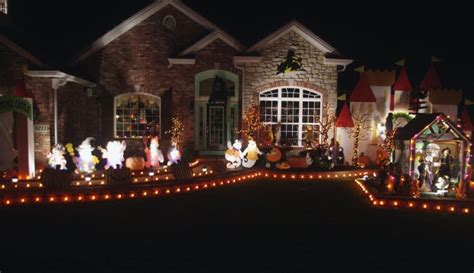homes decorated for halloween readers staff pick best halloween houses lifestyles