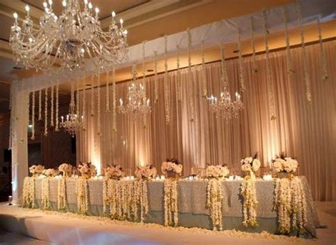 decorating the head table at a wedding reception ehow 16 photo of 18 for rustic wedding head table ideas