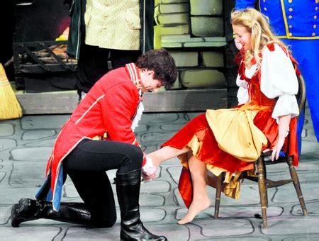 Cinderella Film Newark | review cinderella at palace theatre newark newark