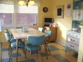 Retro Kitchen Ideas by Colorful Vintage Kitchen Designs