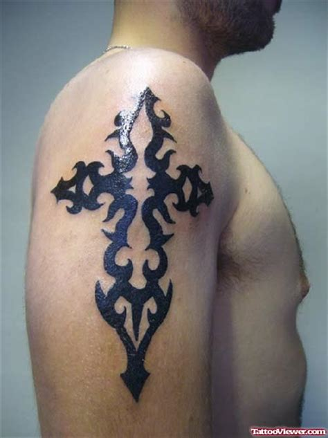 cross tattoo left or right black ink tribal cross tattoo on left back shoulder