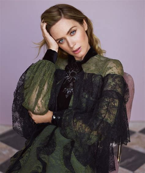 emily blunt s changing looks instyle com emily blunt photoshoot for instyle november 2016