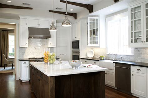 Colors For Kitchens With Light Cabinets - small farmhouse kitchen design ideas