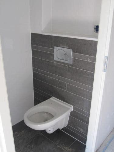 inbouwtoilet tegelen nieuwe toilet tegelen werkspot