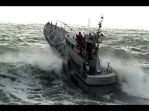 fishing boats in rough seas videos coast guard vs rough seas checto bar youtube