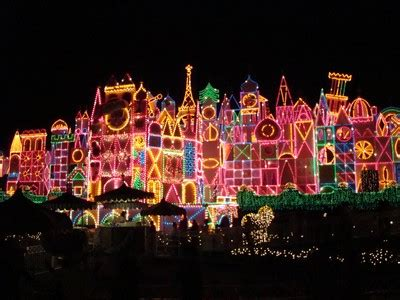 the disneyland traveler blog disneyland christmas is it