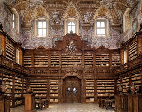 libreria san gallo i libri ritrovati della biblioteca girolamini di napoli