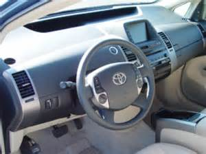 2005 toyota prius pricing specs review compare