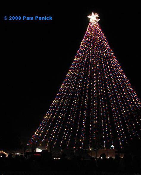 tree made from lights spinning the zilker tree diggingdigging