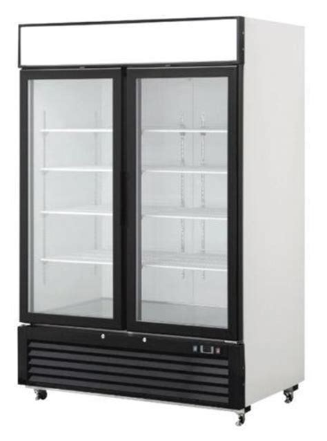 door glass front reach  freezer merchandiser