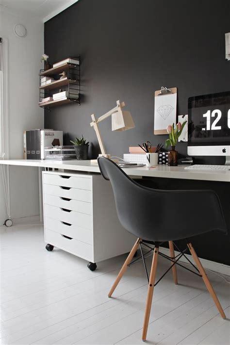 ufficio fai da te ufficio fai da te scrivania con cavalletti e lada di