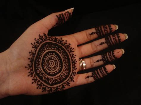 pakistan cricket player simple arabic henna design m 225 s de 25 ideas incre 237 bles sobre mehndi hermosa en