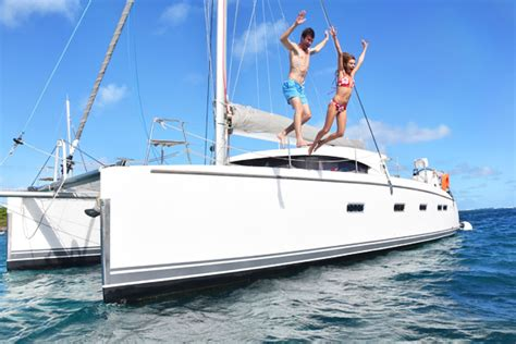 difference catamaran and yacht what s the difference between sailing a monohull or a