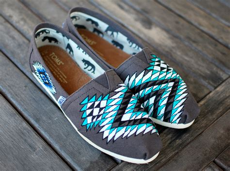 tribal pattern toms custom hand painted toms native american tribal theme on