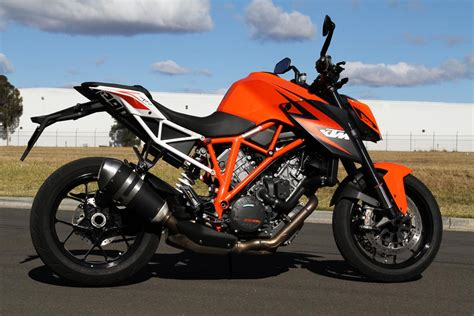 2014 Ktm Superduke Tested 2014 Ktm 1290 Duke R Cycleonline Au