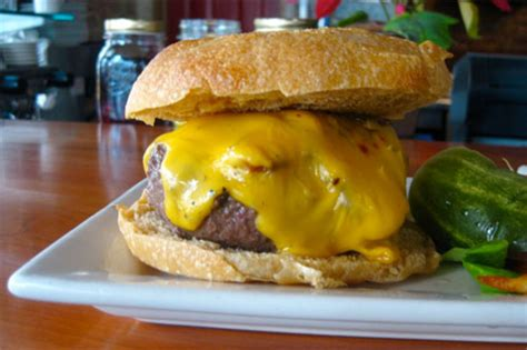 best cheeseburger recipe in the world new york s best cheeseburger take 100 the owl