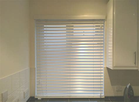 waterproof blinds for the bathroom 1000 ideas about kitchen blinds on pinterest waterproof