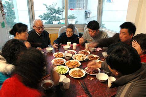 bernas new year commercial family reunion dinner sek fan reunion dinner